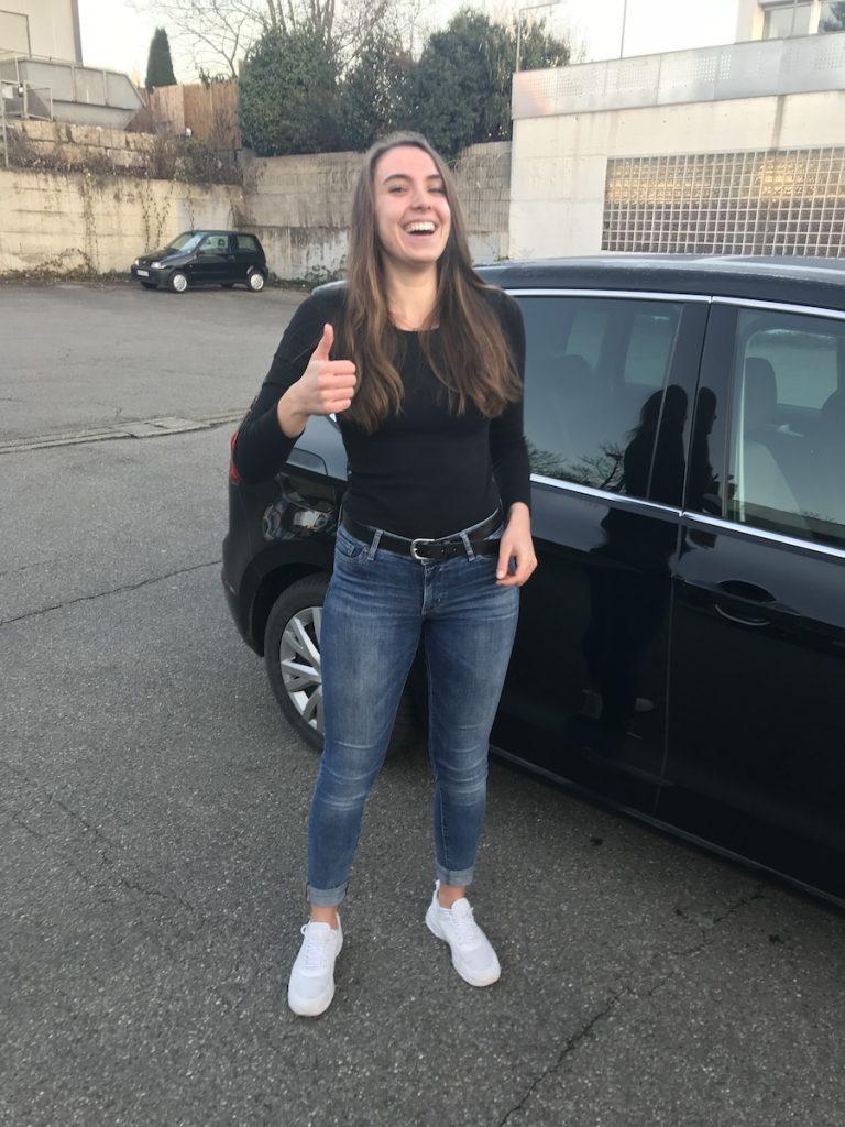 Lena Bestanden Fahrschule h4